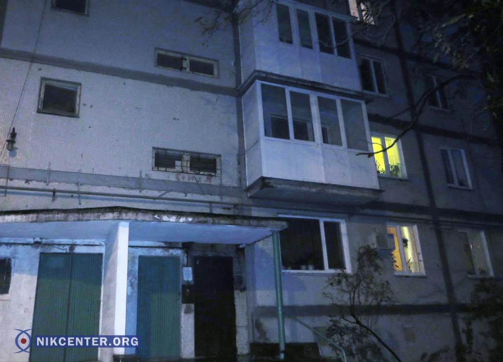 Дом по пр. Героев Украины (пр. Героев Сталинграда), 77а