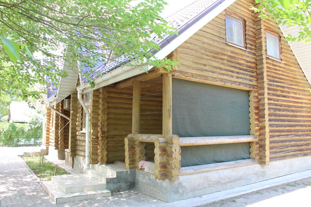Найдорожчі номери в цьому дерев'яному котеджі