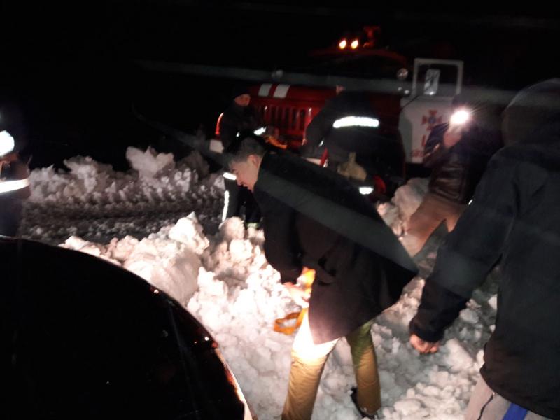 Результаты непогоды вОдесской области: изснега вытянули около 100 авто