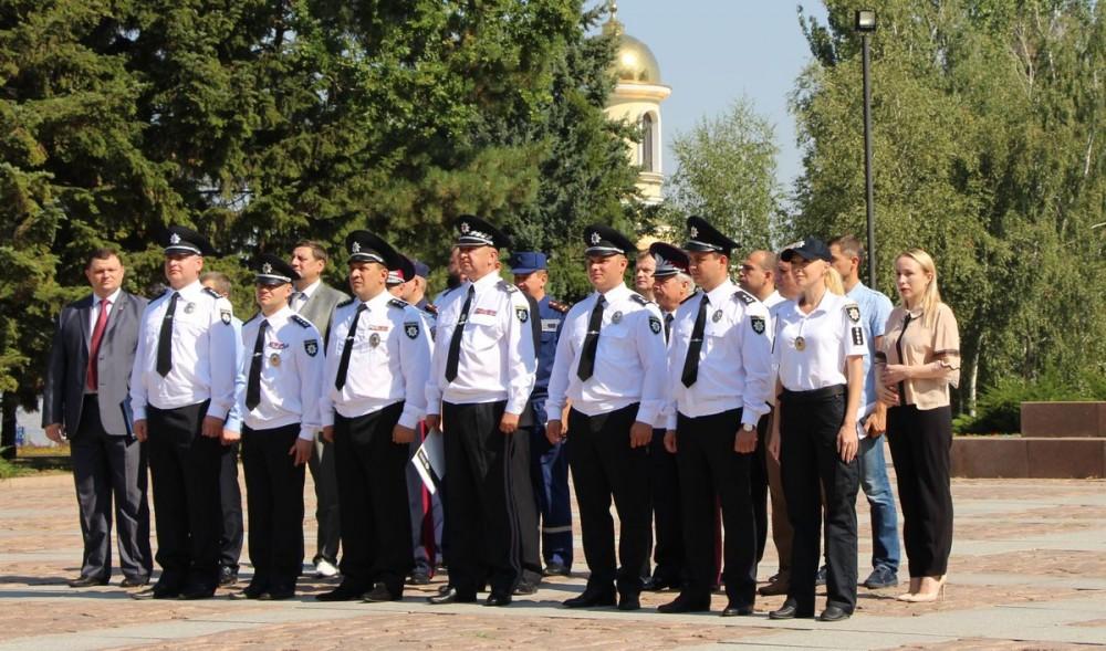 Вцентр украинской столицы стягивают полицию ивоеннослужащих
