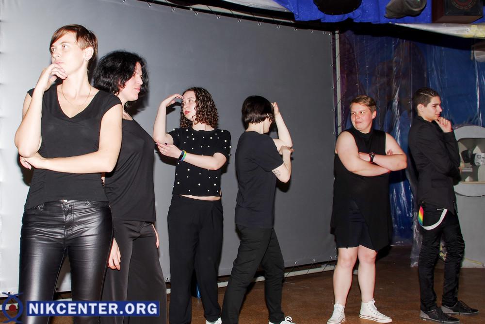 В Херсоне спел хор ЛГБТ-хор из Одессы