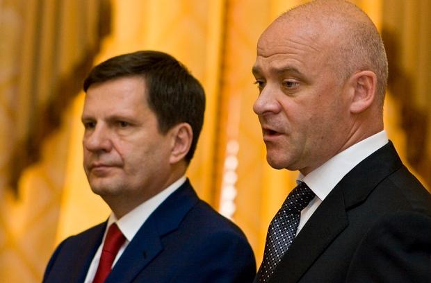 Бывший мэр Одессы Алексей Костусев и нынешний мэр Геннадий Труханов.