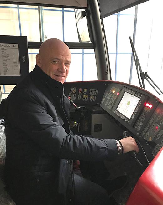 Геннадий Труханов на транспортном предприятии в Чехии. Фото - сайт Одесского городского совета.