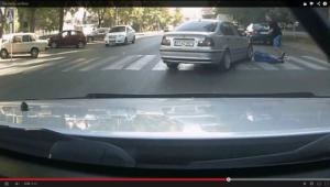 В Одессе BMW сбил пешехода на переходе