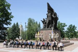 В Николаеве отпраздновали 100-летие со дня рождения героя-десантника Ольшанского