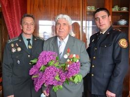 Спасатели Николаевщины поздравили ветеранов с праздником Победы