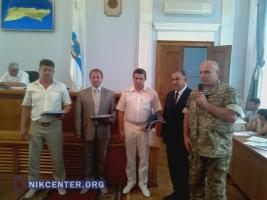 Николаевских депутатов и чиновников наградили знаками отличия