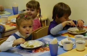 На Николаевщине сельсовет лишил детей из числа многодетных семей льготного питания