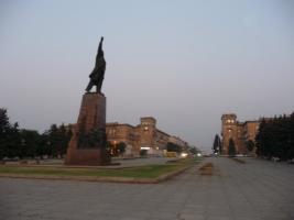 В Запорожье активисты хотят снести памятник Ленину