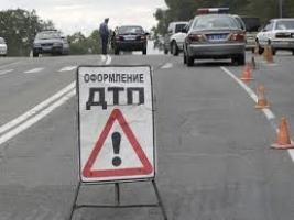 В Николаеве на перекрестке три автомобиля встретились в ДТП