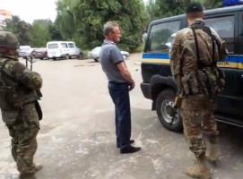 По обвинению в сотрудничестве с боевиками задержан и.о. мэра Славянска Александр Самсонов