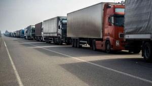 В России массово задерживаются украинские грузовики