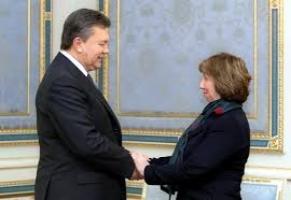 Договариваться с оппозицией Виктору Януковичу придется - эксперт