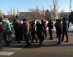 В знак протеста против отключений света жители Нового Буга перекрыли трассу