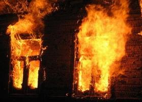 В Николаеве ликвидировали пожар хозяйственного здания