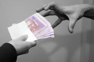 В Одессе на взятке в пять тысяч гривен поймали крупного чиновника