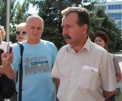 Херсонская общественность требует от мэра Владимира Николаенко  диалога в решении важных вопросов города