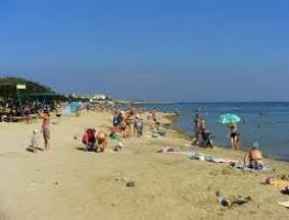 На севастопольском пляже «Омега» отравились 386 человек