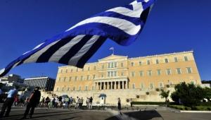Греция, нарушив санкции ЕС, подписала военный контракт с РФ - российские СМИ