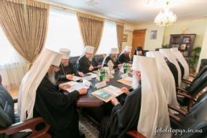 Священный Синод УПЦ призвал Порошенко сохранить межконфессиональный мир