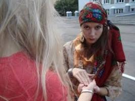 Одесская милиция поймала банду четырех «гадалок», грабивших женщин