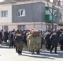 В Очакове провели в последний путь бойца 79-й бригады