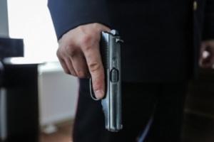 В Николаевской области грабитель напал на АЗС и ранил охранника