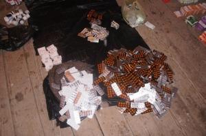 Врач из Киева пытался перевезти крупную партию лекарств  в Крым через Херсонскую область