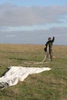 Идут на рекорд: николаевские десантники выполнили 384 прыжка с парашютом