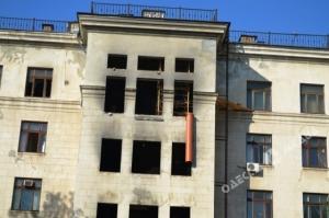 В Одессе ремонтируют Дом профсоюзов, где 2 мая погибли 38 человек