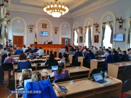 Депутаты Николаевского горсовета просят губернатора не сносить памятник милиционерам