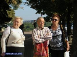 Жители поврежденного многоэтажного дома пикетировали здание Николаевского горсовета
