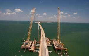 К строительству Керченского моста привлечены студотряды из России