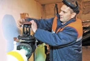 В Херсоне ремонты, заказанные частной фирме, выполняли работники коммунальных ЖЭКов