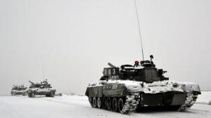 Боевики на танках начали наступление на Мариуполь
