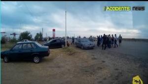 На границе с Крымом херсонские таксисты устраивают драки