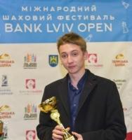Николаевец выиграл два шахматных турнира во Львове