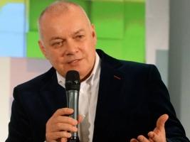 От имени телеведущего Киселева в Twitter провели опрос