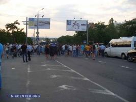 Ситуация возле блокированной «мамочками» трассы в Николаеве начинает накаляться