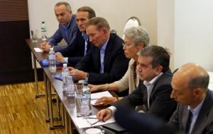 Сепаратисты поедут завтра в Минск на встречу контактной группы по Донбассу, Украина не определилась