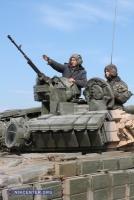 Военные учения продолжаются: в ход пошли танки (фоторепортаж)