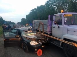 Во Львовской области Chevrolet наехала на группу рабочих-дорожников: двое погибших