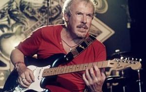 Макаревич опроверг информацию о его избиении во время концерта в Украине