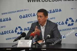 Один из одесских кандидатов покидает предвыборную гонку