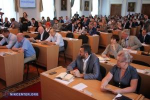 Спустя два часа сессии николаевским депутатам удалось утвердить только повестку дня (ФОТОРЕПОРТАЖ)