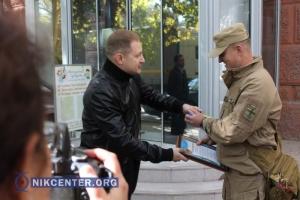 Николаевские предприниматели передали морским пехотинцам микроавтобус