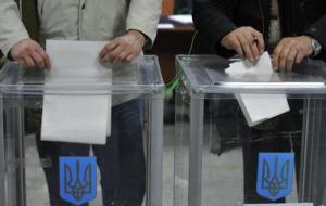 Скандал в Чернигове: на 205-м округе заметили, как фотографируют бюллетени