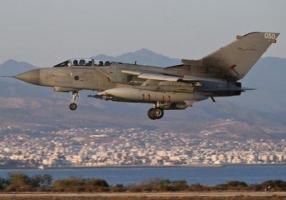 Британская авиация разбомбила нефтяные месторождения ИГИЛ в Сирии