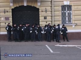 В годовщину Евромайдана в Одессе продолжаются столкновения между милицией и активистами