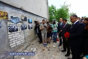 Николаевцы почтили память погибших от взрыва многоэтажного дома на Намыве